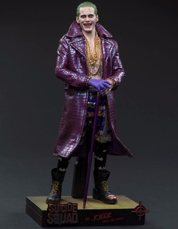 HOT TOYS - SUICIDE SQUAD JOKER PURPLE COAT